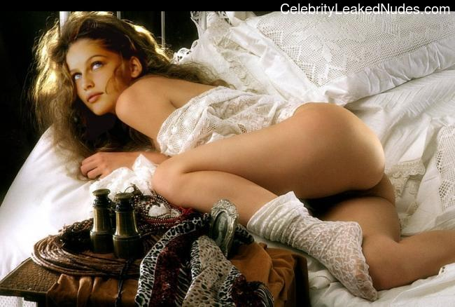 Naked celebrity picture Laetitia Casta 25 pic