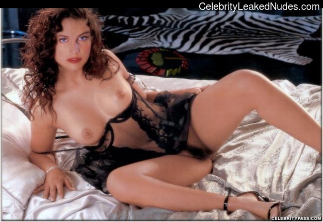 Celeb Nude Laetitia Casta 23 pic