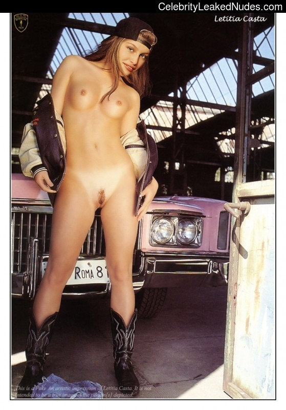 Naked Celebrity Laetitia Casta 5 pic
