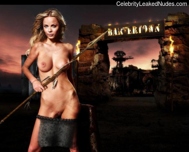 Real Celebrity Nude Laura Vandervoort 12 pic