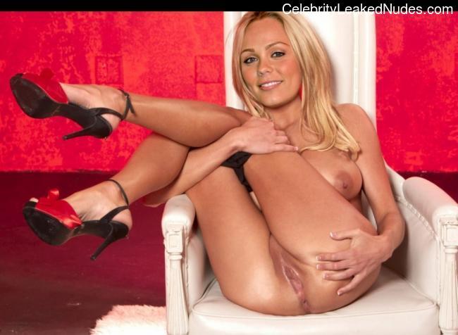 Free nude Celebrity Laura Vandervoort 6 pic