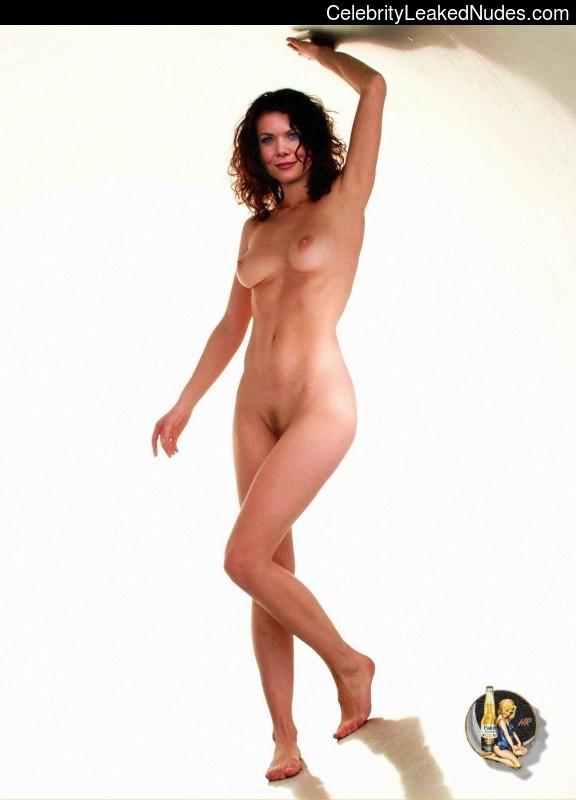Lauren Graham free nude celebs