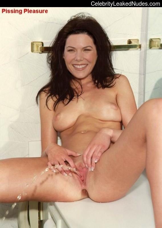 Naked Celebrity Pic Lauren Graham 15 pic