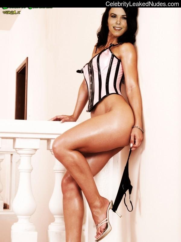 Free Nude Celeb Lauren Graham 22 pic