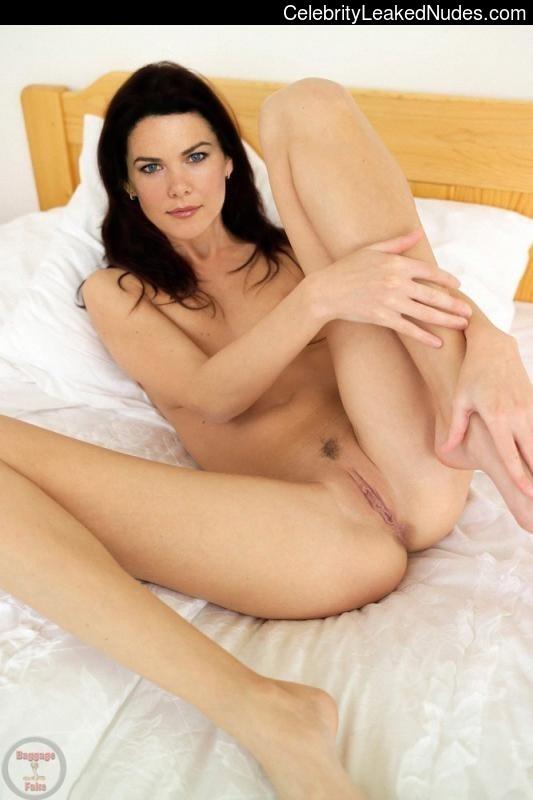 nude celebrities Lauren Graham 6 pic