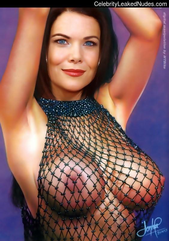 Celebrity Naked Lauren Graham 7 pic