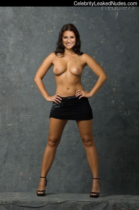 Famous Nude Lea Michele 5 pic