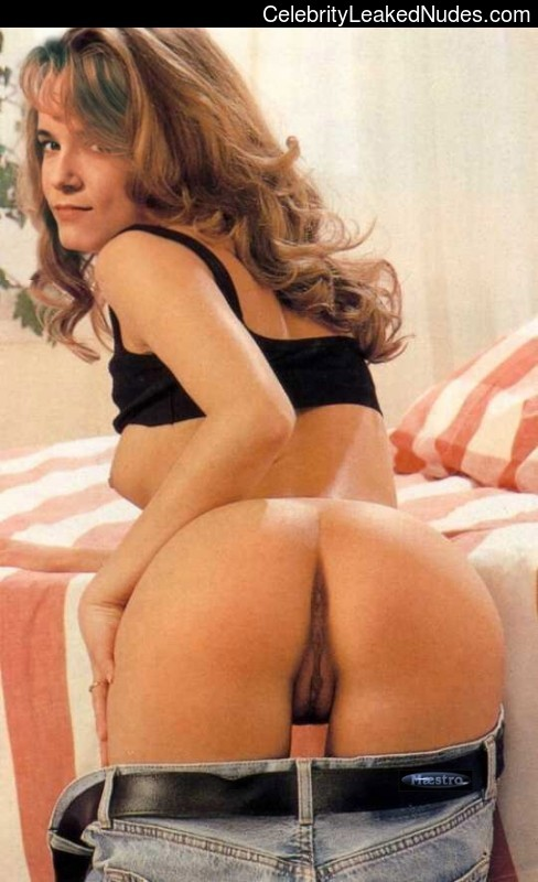 Hot Naked Celeb Lea Thompson 4 pic