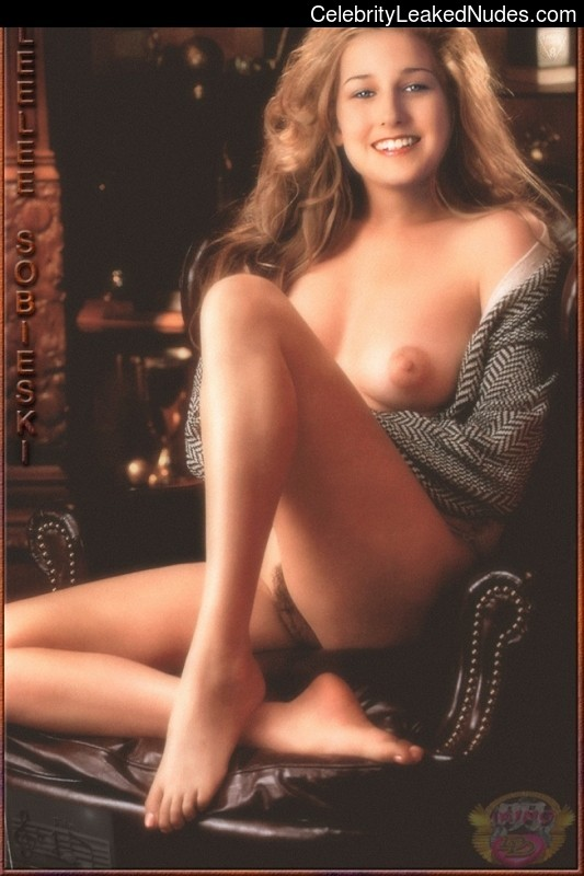 Naked celebrity picture Leelee Sobieski 11 pic