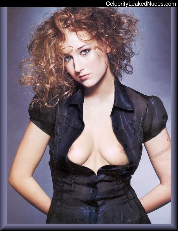 Newest Celebrity Nude Leelee Sobieski 7 pic