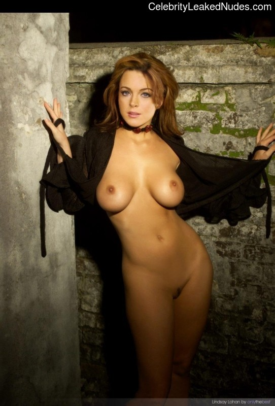Real Celebrity Nude Lindsay Lohan 11 pic