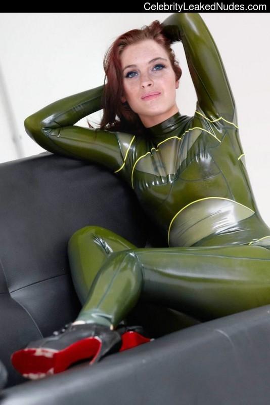 Hot Naked Celeb Lindsay Lohan 18 pic