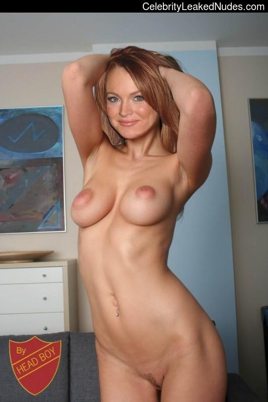 Celeb Nude Lindsay Lohan 28 pic