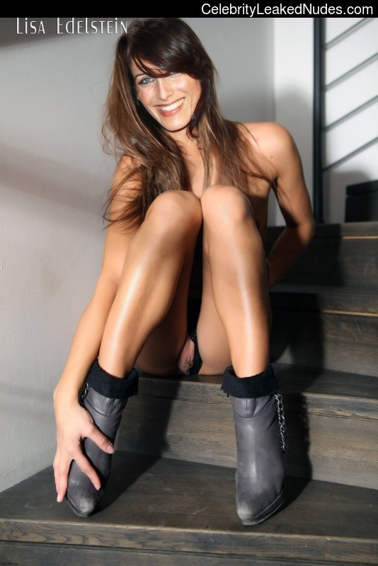 celeb nude Lisa Edelstein 16 pic