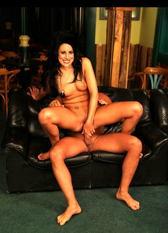 Newest Celebrity Nude Lucy Kennedy 7 pic