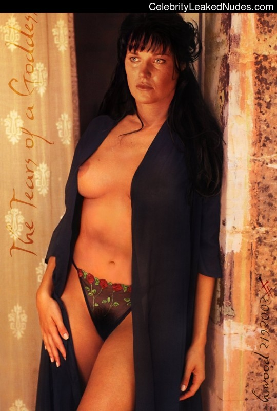 lucy lawless naked pics