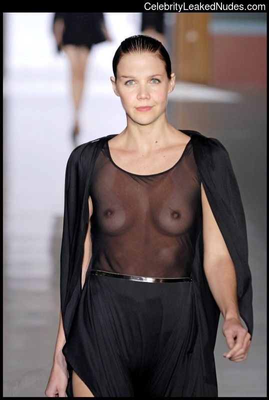 Free nude Celebrity Maggie Gyllenhaal 9 pic