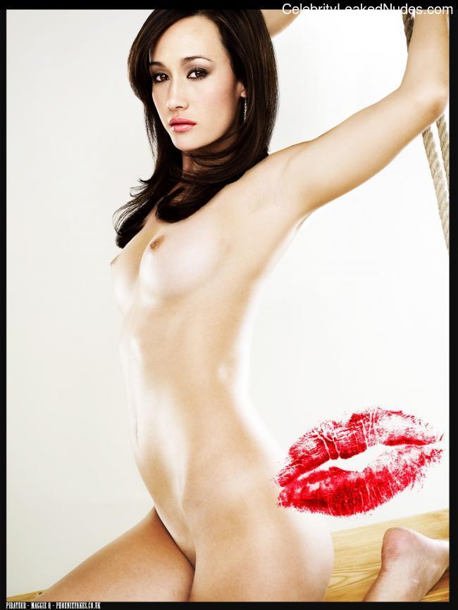 Carmen electra nude sexy pics