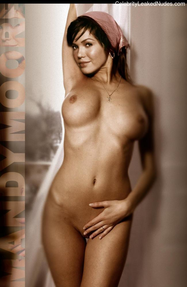 Celeb Nude Mandy Moore 11 pic
