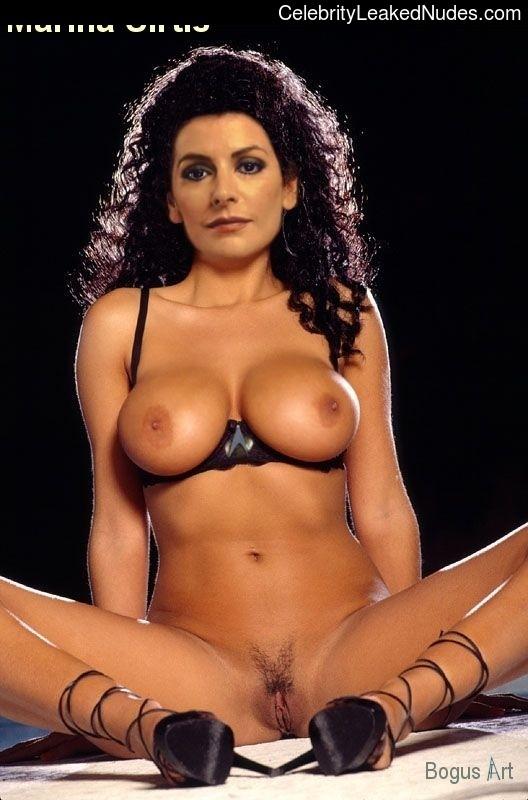 Kat von d half naked