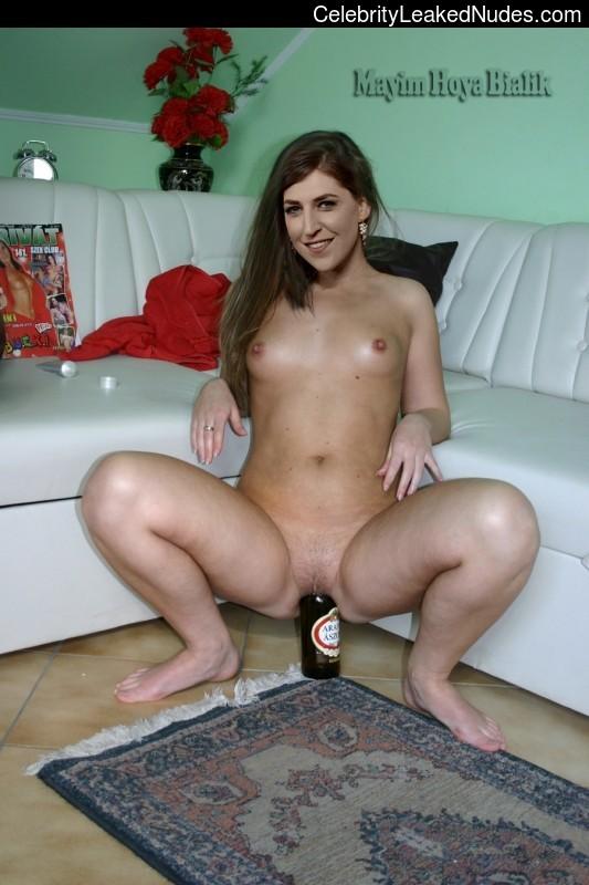 Celeb Nude Mayim Bialik 4 pic