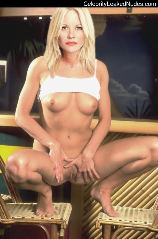 Free nude Celebrity Meg Ryan 15 pic