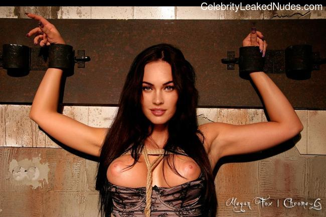 Real Celebrity Nude Megan Fox 12 pic