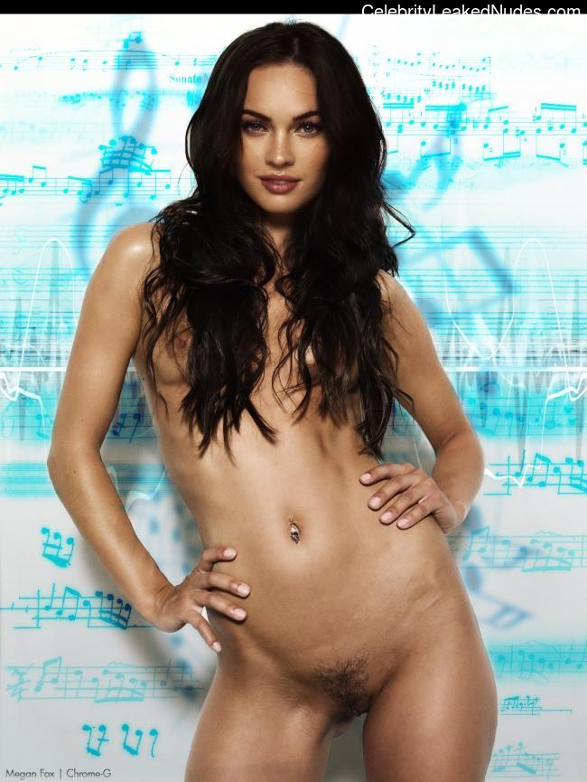 Newest Celebrity Nude Megan Fox 3 pic