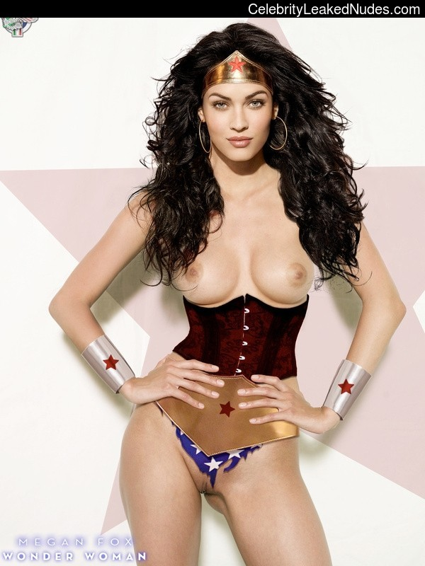 Naked Celebrity Megan Fox 27 pic