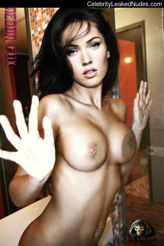 Free nude Celebrity Megan Fox 28 pic
