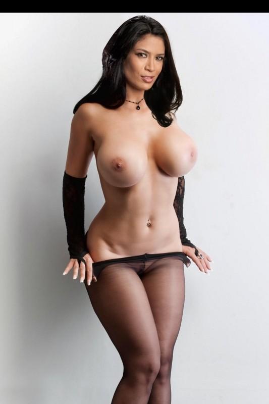 Melina Perez topless