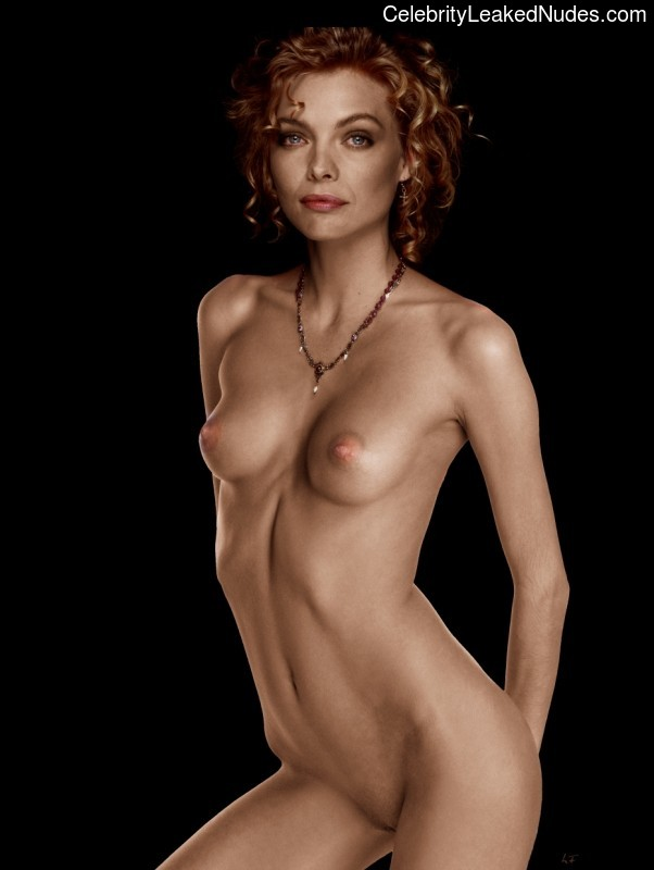 Michelle Pfeiffer gettinf naked and fucked - Pichunter