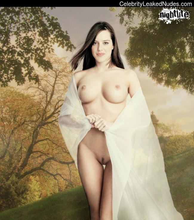 Famous Nude Michelle Ryan 20 pic