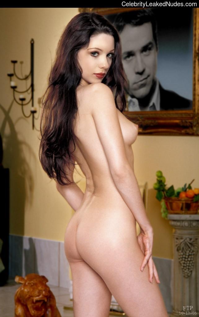 Famous Nude Michelle Trachtenberg 13 pic