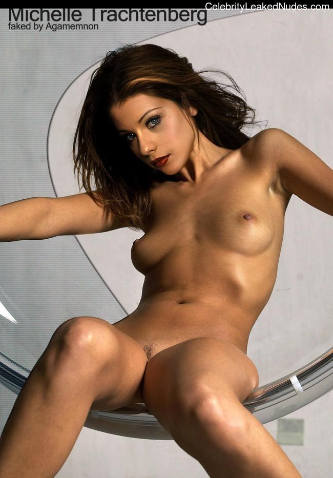 Hot Naked Celeb Michelle Trachtenberg 6 pic