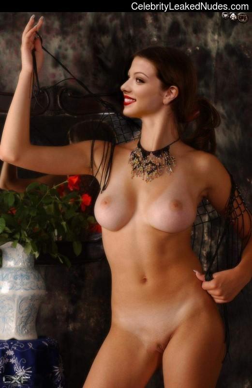 Famous Nude Michelle Trachtenberg 8 pic