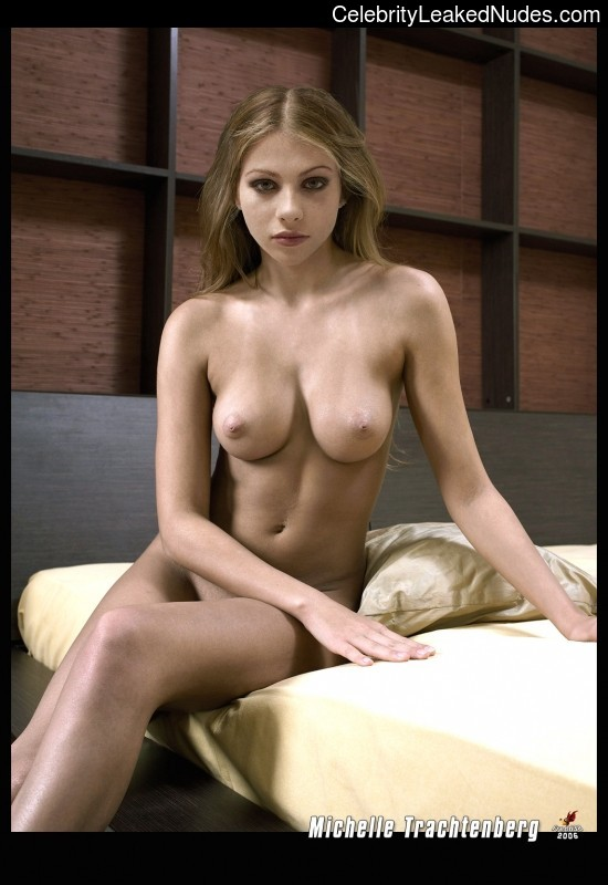 Real Celebrity Nude Michelle Trachtenberg 8 pic