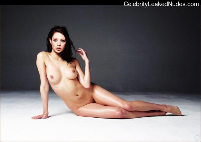 Free nude Celebrity Michelle Trachtenberg 1 pic