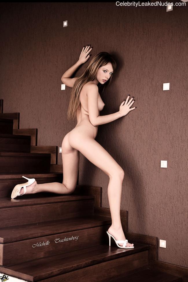 Celeb Nude Michelle Trachtenberg 28 pic