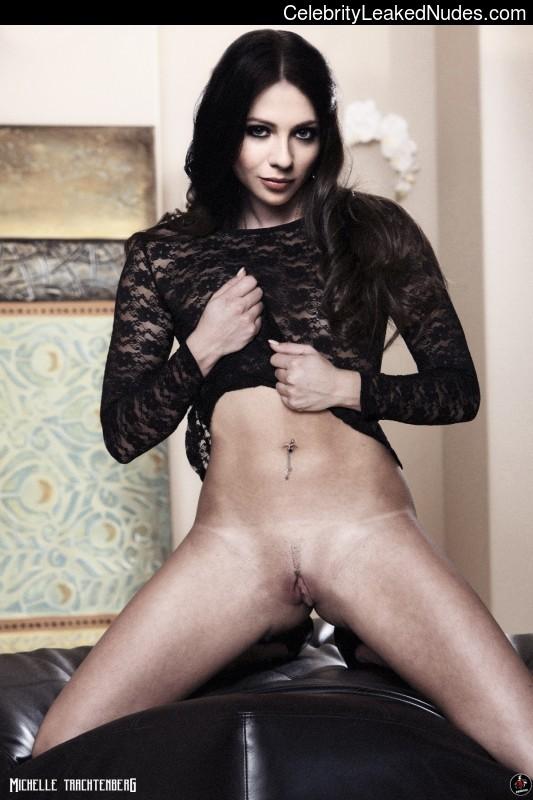 Nude Celeb Michelle Trachtenberg 7 pic