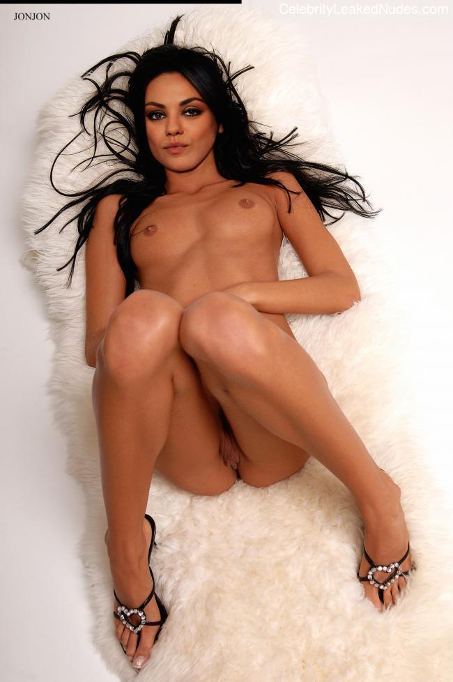 Nude Celeb Mila Kunis 10 pic