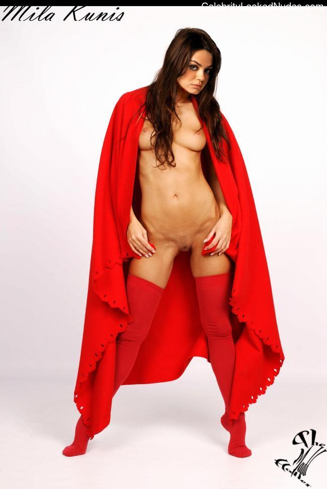 fake nude celebs Mila Kunis 4 pic