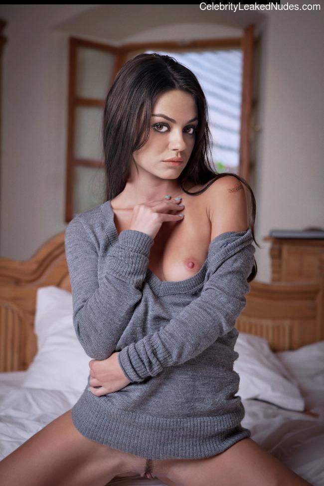 Best Celebrity Nude Mila Kunis 8 pic