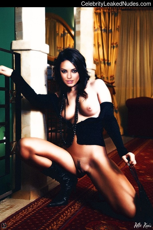 Newest Celebrity Nude Mila Kunis 20 pic