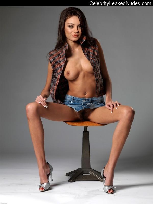 Celebrity Leaked Nude Photo Mila Kunis 21 pic