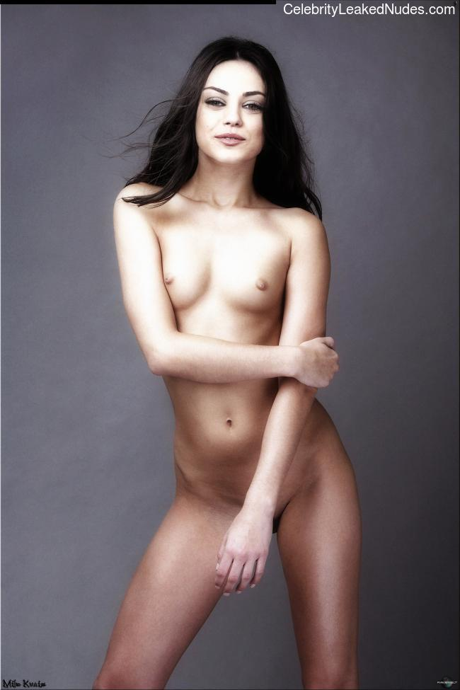 celeb nude Mila Kunis 27 pic