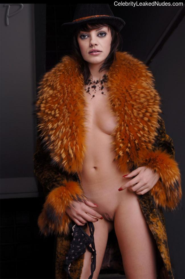 Naked Celebrity Mila Kunis 8 pic