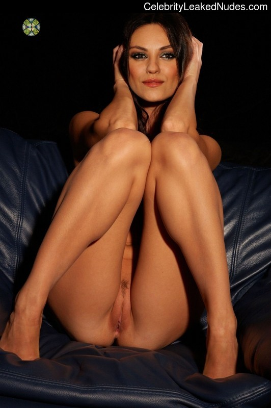 fake nude celebs Mila Kunis 3 pic