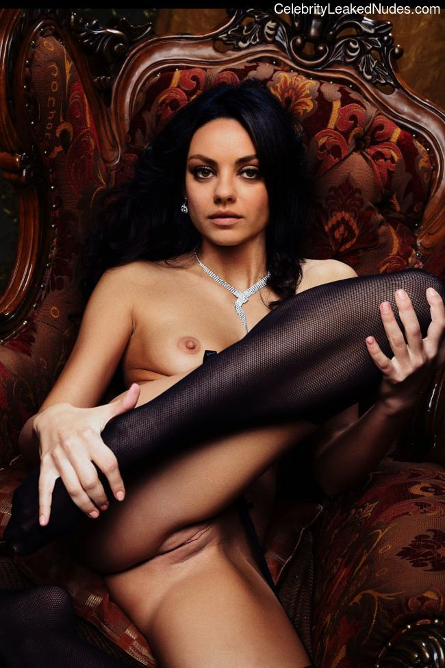Naked celebrity picture Mila Kunis 4 pic