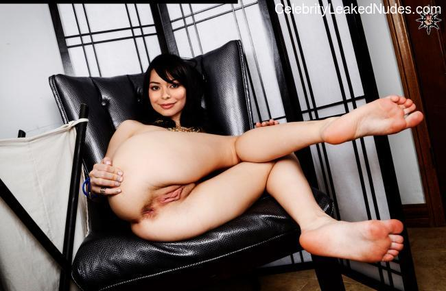 Miranda Cosgrove celebrity naked